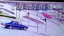 BAĞBAŞı - Denizli'de Otomobil Kamyonla Çarpıştı Açıklaması 1 Ölü, 2 Yaralı