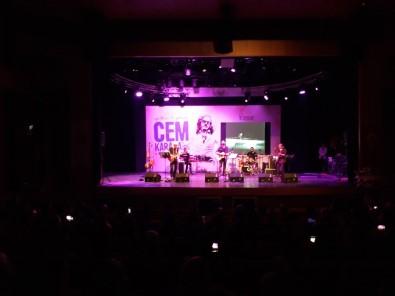 Esenler Belediyesi, Usta Sanatçı Cem Karaca'yı Ölüm Yıldönümünde Andı