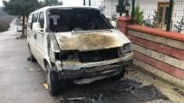 KURAN KURSU - Park Halindeki Minibüs Alev Alev Yandı