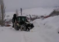 YAĞAN - Tunceli'de Kar 147 Köy Yolunu Ulaşıma Kapattı