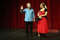 Aksaray'da 'Benimle Delirir Misin?' Tiyatro Oyunu Sahnelendi