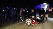 KONURALP - Elektrikli Bisiklet İle Otomobil Çarpıştı Açıklaması 2 Yaralı