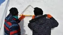 Kardan Figürler Ve Maketlere Yoğun İlgi