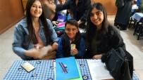 Öğrenciler Harçlıklarıyla Köy Okulundaki Kardeşlerine Hediye Aldı