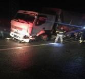 Özel Harekat Polislerini Taşıyan Araç TIR'la Çarpıştı Açıklaması 6 Yaralı