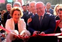 İyi Parti - Rakibinin Seçim Ofisi Açılışına Katıldı