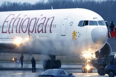 Etiyopya Hava Yollarına ait yolcu uçağı düştü... Kurtulan yok