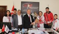 MİLLİ SPORCU - Milli Sporculardan Başkan Özakan'a Ziyaret