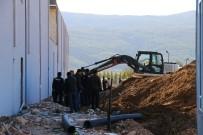 AKBAYıR - Muğla'da Göçük Altında Kalan İşçi Öldü