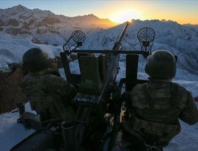 YPG'nin 12 drone'lu saldırısı engellendi