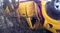 Amasya'da Taksi Devrildi Açıklaması 2 Yaralı