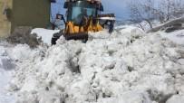 Bahar Geldi, Karlıova'da Karla Mücadele Bitmedi