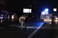 FATIH SULTAN MEHMET KÖPRÜSÜ - Beşiktaş'ta otomobil yayalara çarptı; 1 ölü, 2 yaralı