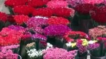 SEVGILILER GÜNÜ - Çiçek Sektörü, İngilizlerin Anneler Günü'ne Hazırlanıyor