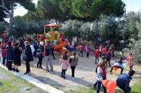 MEHMET TÜRKÖZ - Didimli Gönüllüler Okullara Desteğini Sürdürüyor