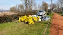 SAPANCA GÖLÜ - Gölden Bir Kamyon Çöp Çıkarıldı