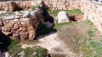 HRISTIYANLıK - İlk Dönem Hristiyanların Sığınağı Açıklaması 'Ürdün'deki St. George Kilisesi'