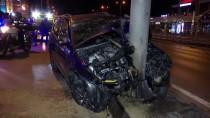 METROBÜS DURAĞI - Avcılar'da Trafik Kazası Açıklaması 1'İ Ağır, 6 Yaralı