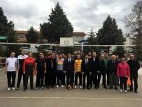 AHMET ÖZDEMIR - Hekimhan'da Kurumlararası Voleybol Turnuvası Başladı