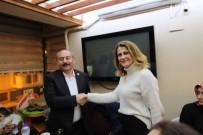 MHP'li Aday, AK Parti Adayına Destek İçin Çekildi