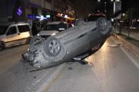 Refüje Çarpan Otomobil Ters Döndü Açıklaması 2 Yaralı