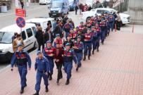 KÖRFEZ - Seçim Ofisi Açılışında Terör Propagandası Yapan 12 HDP'li Adliyeye Sevk Edildi