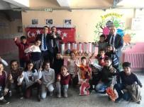 BALPıNAR - Türkiye Gaziler Ve Şehit Aileleri Vakfı Köy Okuluna Spor Malzemeleri Hediye Etti