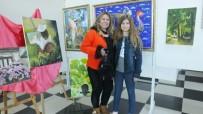AHMET AKıN - Burhaniye'de Bayan Ressamların Karma Resim Sergisi İlgi Gördü