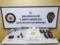 PLASTİK PATLAYICI - Eylem Hazırlığındaki Teröristler El Bombaları Ve Mühimmatlarla Yakalandı