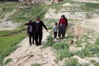 TOPRAK KAYMASI - Mersin'de Korkutan Çatlaklar