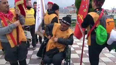 Çanakkale Zaferi Yolunda Tekerlekli Sandalyeyle İlerliyor