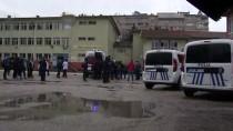 Elazığ'da Bıçaklı Kavga Açıklaması 2 Yaralı