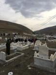 KURAN-ı KERIM - Iğdır'da Ölüler Bayramı Nedeniyle Mezarlık Ziyaretleri Yapıldı