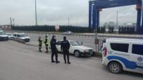 KÖRFEZ - Kocaeli'de 52 Yaşındaki Sürücü Aracında Ölü Bulundu
