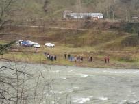 Ordu'da Otomobil Irmağa Uçtu Açıklaması 1 Ölü, 1 Kayıp