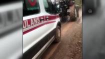 Hastayı Almaya Giden Ambulans Çamura Saplandı