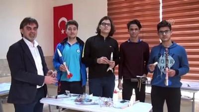İmam Hatipli Öğrenciler TEKNOFEST'e Model Roketle Katılacak