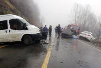 Ordu'da Öğrenci Servisi İle Otomobil Çarpıştı Açıklaması 2 Ölü, 4 Yaralı