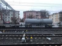 HıZLı TREN - Raydan Çıkan Tren Olay Yerinden Uzaklaştırıldı