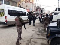 ARAZİ ANLAŞMAZLIĞI - Şanlıurfa'da Arazi Kavgası Açıklaması 1'İ Ağır 3 Yaralı