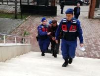 42 Suçtan Aranan Şüpheli, Yaşlı Kadını Dolandırırken Yakalandı
