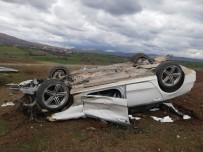 Bariyerlere Çarpan Otomobil Takla Attı Açıklaması 2 Yaralı