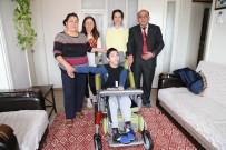 MESUT ÖZAKCAN - Başkan Özakcan 14 Yaşındaki Melih'i Özgürlüğüne Kavuşturdu