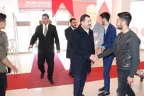 Baydilli Rakibinin Seçim Bürosunu Ziyaret Etti