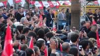 CHP Mitinginde 'Bozkurt' İşareti