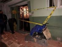 KURUYEMİŞ - Engelli Aracıyla Kuruyemiş Satarak Geçinen Şahıs Evinde Boğazında Kesiklerle Ölü Bulundu