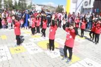 ÖĞRENCİ VELİSİ - Minik Öğrenciler Çanakkale Zaferini Kutladı