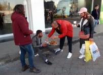 GÜVEN TİMLERİ - Taksim'de Hayrete Düşüren Dilencilik Yöntemi