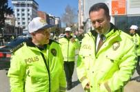Trafik Polisleri Yeni Kıyafetlerini Görücüye Çıktı