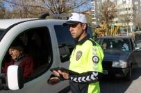 Trafik Polisleri Yeni Üniformalarını Giydi